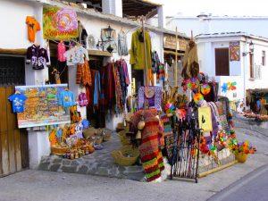 Souvenirstand in einem Dorf der Alpujarra