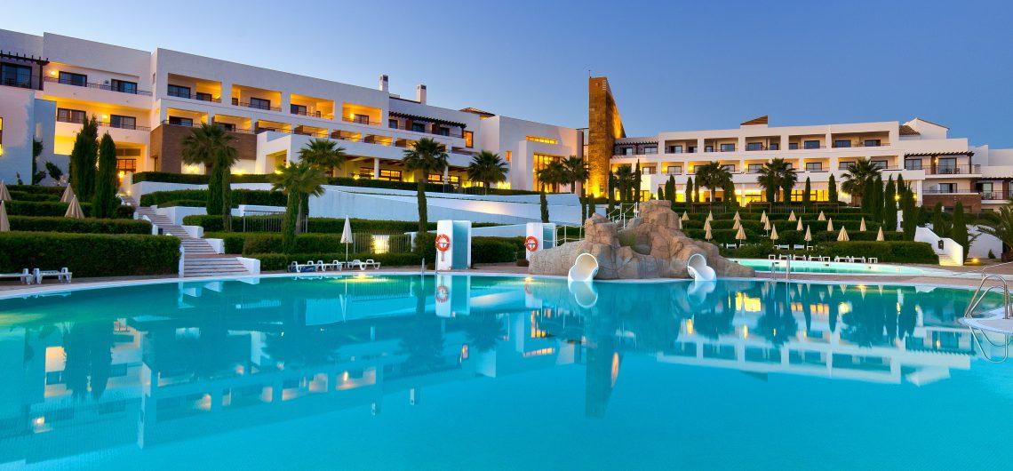 Poolbereich im Fuerte El Rompido Spa