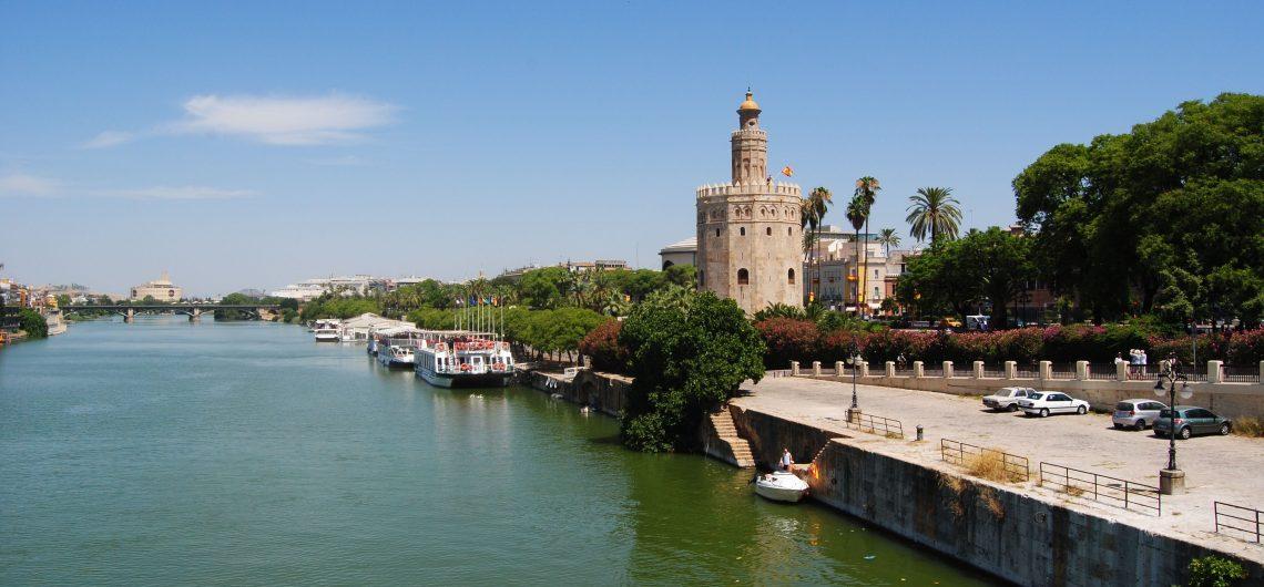 Guadalquivir Fluss und Goldturm
