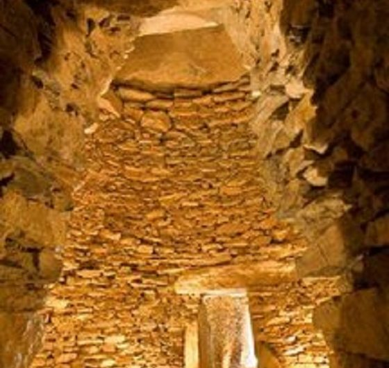 dolmenes_antequera_andalusien.jpg